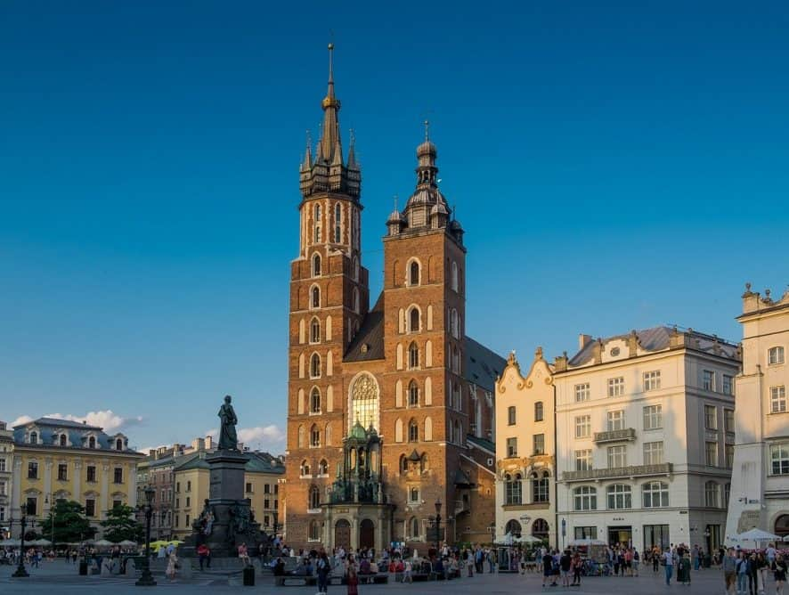 Kraków - kładka dla pieszych i rowerzystów jest prawie gotowa