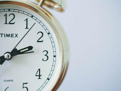 Zmiana czasu z letniego na zimowy 2020. Sprawdź, kiedy przestawiamy zegarki!