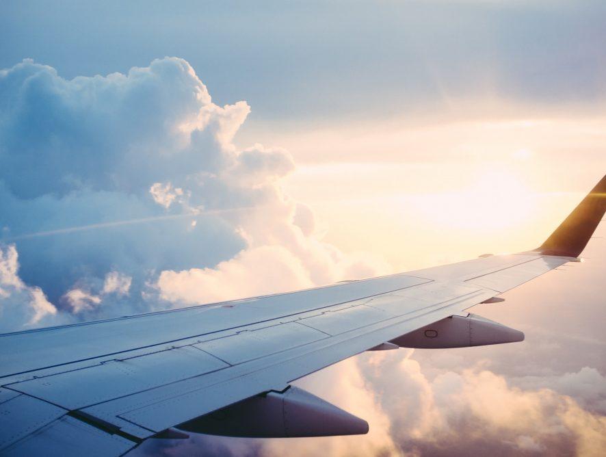 Gdzie i jak szukać tanich lotów?